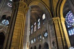 圣玛丽亚del Pi的内部在巴塞罗那,卡塔龙尼亚,西班牙。 免版税图库摄影