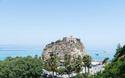 圣玛丽亚dell'Isola,特罗佩亚,意大利教会  图库摄影