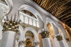圣玛丽内部看法白色犹太教堂在托莱多 免版税库存图片