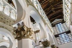 圣玛丽内部看法白色犹太教堂在托莱多 库存照片