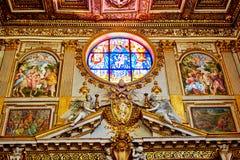 圣玛丽圣玛丽亚Maggiore少校,教会的内部艺术作品有很多 免版税图库摄影