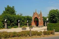 圣玛丽的`罗伯斯`小砖教堂在洛克里斯蒂,富兰德 免版税库存图片