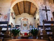 圣玛丽Alzana, famou奉献的教会的内部  免版税库存照片