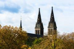 圣皮特圣徒・彼得和圣保罗大教堂塔在布拉格,捷克语关于 库存照片