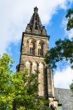 圣皮特圣徒・彼得和圣保罗大教堂塔在布拉格,捷克Rep 免版税图库摄影