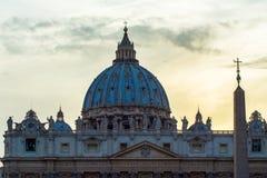 圣皮特圣徒・彼得大教堂黄昏的 库存照片