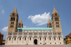 圣皮特圣徒・彼得和圣保罗大教堂在佩奇匈牙利 库存照片