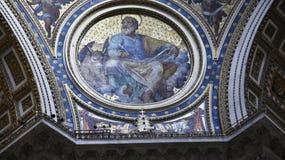 圣皮特圣徒・彼得在梵蒂冈的` s大教堂在罗马意大利 免版税库存图片