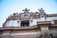 圣皮特圣徒・彼得在梵蒂冈的` s大教堂门面在罗马意大利 免版税图库摄影