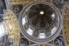 圣皮特圣徒・彼得大教堂,梵蒂冈内部圆顶  免版税库存照片