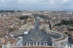 圣皮特圣徒・彼得广场从上面。 免版税库存图片