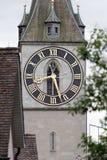 圣皮特圣徒・彼得教会的时钟在苏黎世 免版税库存照片