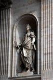 圣皮特圣徒・彼得的大教堂外部细节在梵蒂冈 免版税图库摄影