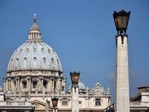 圣皮特大教堂在梵蒂冈。 库存照片