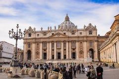 圣皮特的大教堂在梵蒂冈市在罗马,意大利。 免版税库存照片