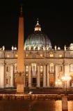 圣皮特的(罗马意大利)晚上 库存图片
