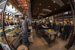 圣米格尔市场 马德里, 2018年3月11日, 西班牙 免版税库存照片