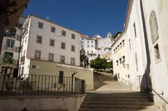 圣米格尔火山楼梯在Alfama区,里斯本 免版税库存照片