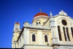 圣米纳斯大教堂屋顶在有天空蔚蓝的Iraklion 克利特希腊 图库摄影