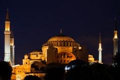 圣索非亚大教堂在伊斯坦布尔在晚上 库存照片