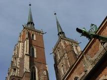 圣约翰哥特式大教堂在Tumski海岛上的浸礼会教友 其中一个著名地标在城市 wroclaw 库存图片