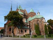 圣约翰哥特式大教堂在Tumski海岛上的浸礼会教友 其中一个著名地标在城市 wroclaw 免版税库存图片