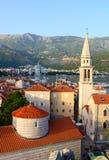 圣约翰浸礼会教友,布德瓦老镇和大教堂顶视图  图库摄影