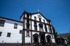 圣约翰福音传教士教会在丰沙尔地方政府地区  它是丰沙尔大学的学院教会  免版税图库摄影