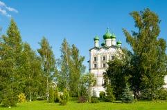 圣约翰福音传教士教会有上生餐厅教会的在尼古拉斯Vyazhischsky修道院, Veliky诺夫哥罗德 免版税库存图片