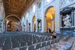 圣约翰Lateran,罗马罗马教皇的Archbasilica的内部  免版税库存照片