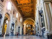 圣约翰Lateran Archbasilica的内部在罗马 免版税图库摄影