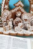圣经姜饼诞生场面 免版税库存图片