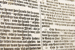 圣经荷兰语老文本 免版税库存图片