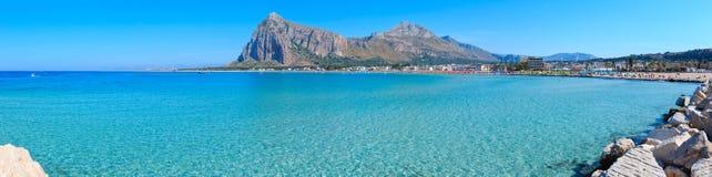圣维托lo品柱海滩,西西里岛,意大利 图库摄影