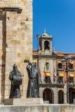圣胡安包蒂斯塔教会萨莫拉市长正方形的 西班牙 库存图片