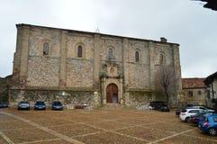 圣胡安台尔梅尔卡多Church的主要门面在阿蒂恩萨在新生修造了 建筑学,农村旅游业,旅行 免版税库存照片