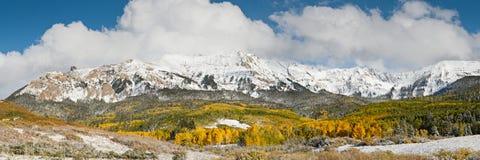 圣胡安山 美好和五颜六色的科罗拉多落矶山脉秋天风景 免版税库存图片