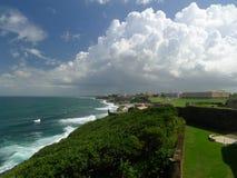圣胡安波多里哥和大西洋 免版税库存图片