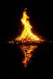 圣胡安篝火在晚上 图库摄影