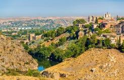 圣胡安de los雷耶斯修道院在托莱多-西班牙 免版税库存图片