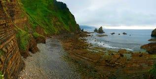 圣胡安del Gazteluatxe,西班牙江边峭壁  免版税图库摄影