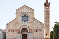 圣芝诺大教堂门面在维罗纳市 库存图片