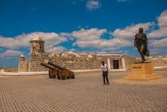 圣萨尔瓦多de la蓬塔和雕象老殖民地城堡委内瑞拉革命弗朗西斯科・德米兰达,哈瓦那, C 免版税图库摄影