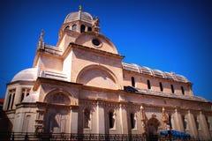 圣詹姆斯大教堂有高度31 m,并且yavlyaetya这建筑奇迹,它由分开的石平板和de制成 库存图片