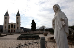 圣詹姆斯教区教堂,我们的Medugorje的夫人寺庙  库存图片