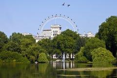 从圣詹姆斯的公园的看法在伦敦 库存照片