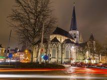 圣詹姆斯'教会,安特卫普( Sint-Jacobskerk)在跟特在晚上 库存照片