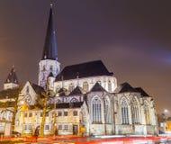 圣詹姆斯`教会,安特卫普Sint-Jacobskerk在跟特在晚上 库存照片
