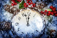 圣诞前夕和新年度在午夜 免版税库存照片