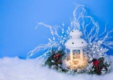 圣诞前夕灯笼和装饰背景 免版税库存照片